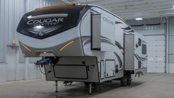 Cougar 27SGS Rear Lounge  9,6 Meter