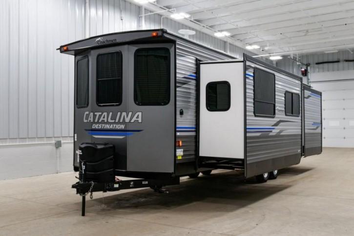 2020 COACHMEN CATALINA  33FKDS