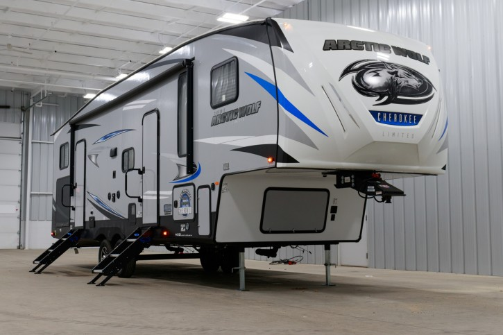 2019 Forest River Cherokee Arctic Wolf 315TBH8 Kinderzimmer