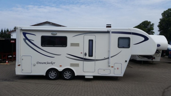 Dreamseeker Tourer (7,5 Meter) Auto Level+Solar