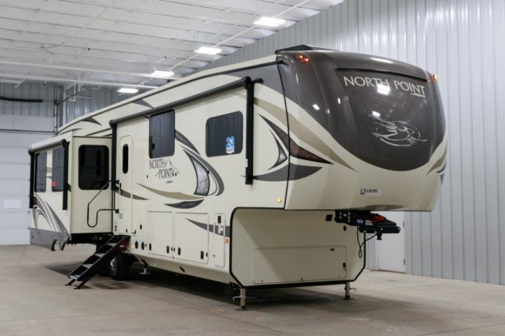 2020 Jayco North Point 377RLBH Kinderzimmer